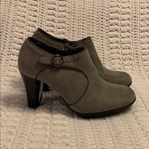 Sole Sensibility Comfort Ankle Booties. NWT